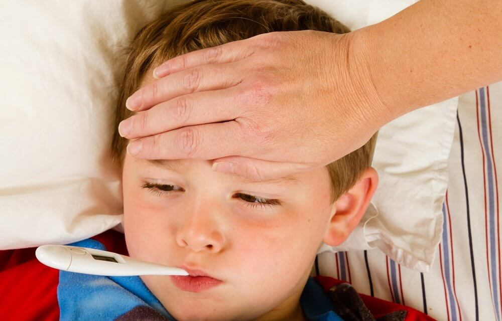 Dấu hiệu nhận biết trẻ sốt do virut
